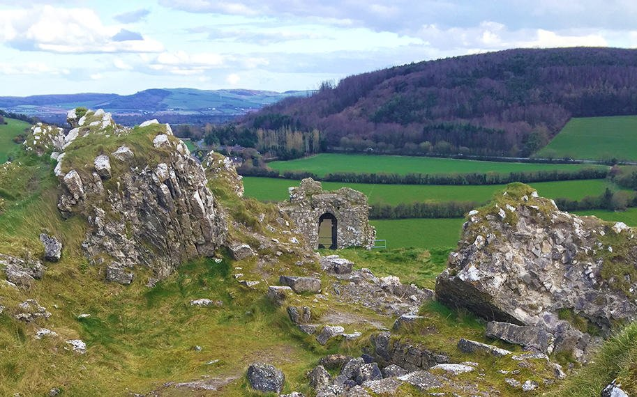 the_rock_of_dunamase_ireland_leap_year_movie_malorie_mackey_malories_adventures