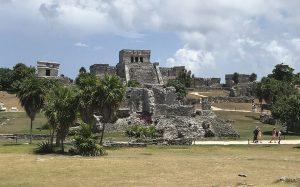 tulum_archeological_site_beach_cancun_tulum_malories_adventures_malorie_mackey_main