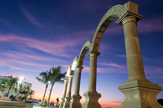 why-you-should-visit-puerto-vallarta-art-malecon-the-arches