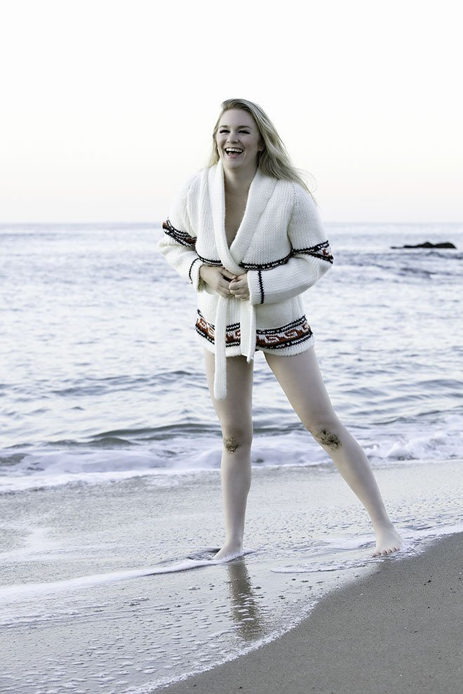 marilyn-monroe-inspired-photoshoot-malorie-mackey-sexy-beach-bikini-42