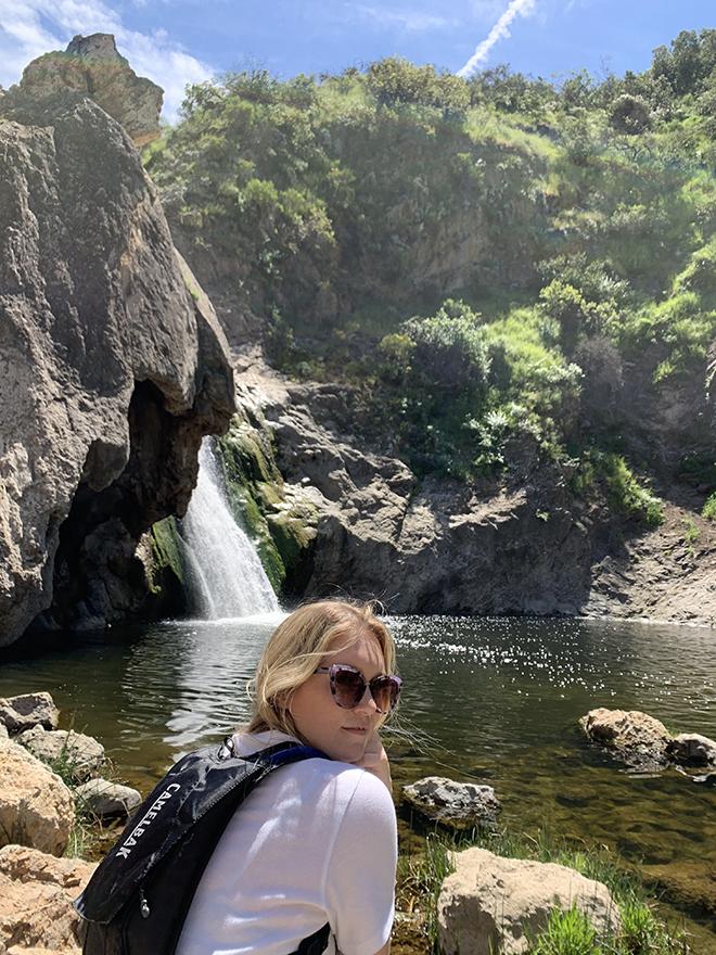 paradise-falls-hike-thousand-oaks-ca-waterfall-hike-malories-adventures-malorie-mackey-waterfall