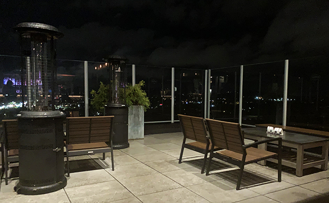 asheville-north-carolina-hyatt-place-montford-rooftop-bar