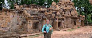 explorer-traveler-malories-adventures-malorie-mackey-cambodia-temple