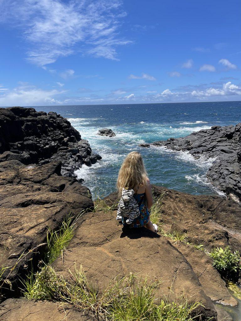malories-adventures-hiking-trail-queens-bath-trail-ocean-beach-kauai-hawaii (1)