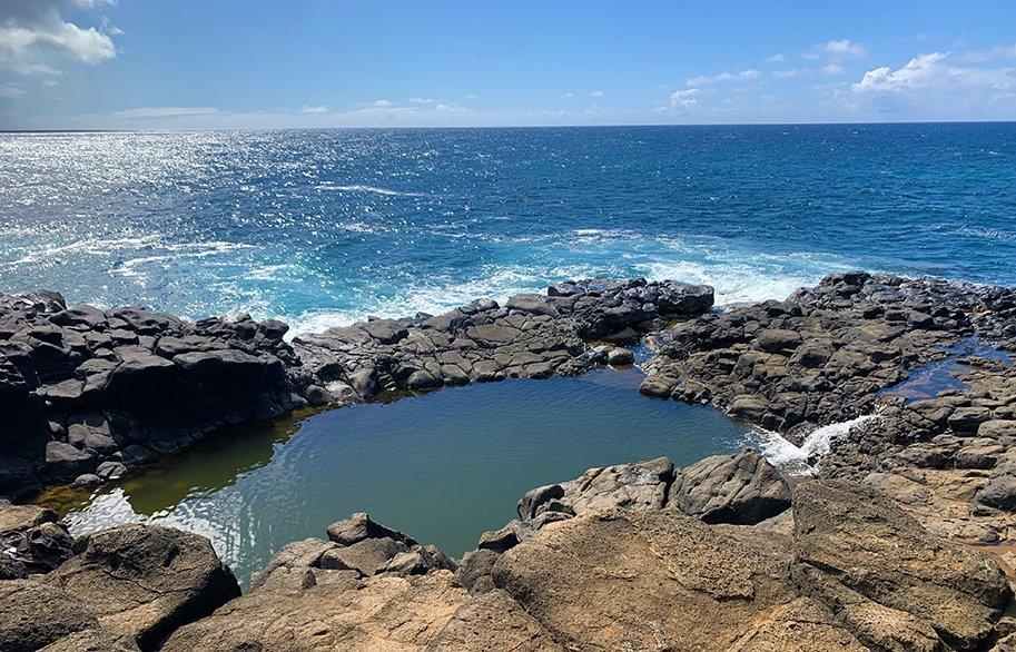 malories-adventures-kauai-hawaii-secret-beach-queens-bath-rocks-sm-header