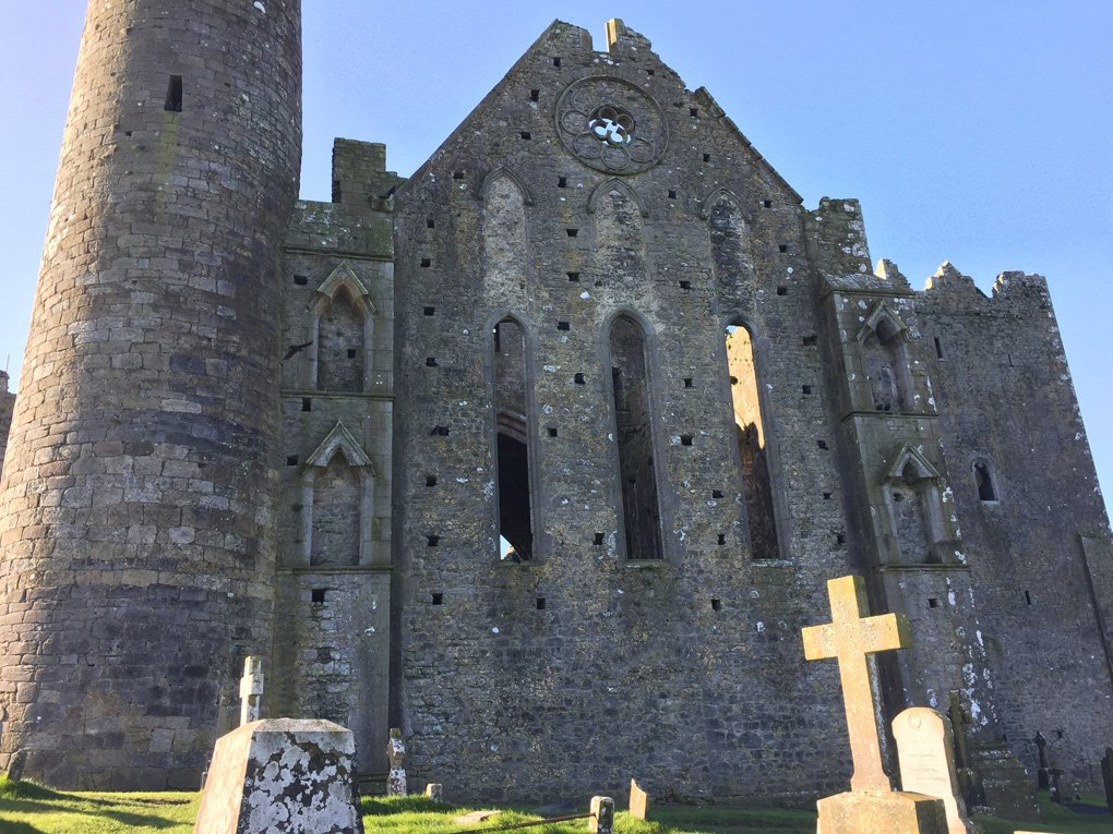 rock-of-cashel-malories-adventures-ireland-travel