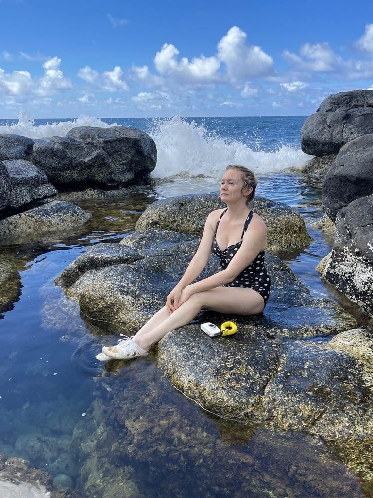 malories-adventures-hiking-trail-queens-bath-trail-ocean-beach-kauai-hawaii (5)